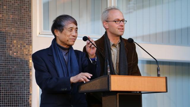 L'architect Tadao Ando cun ses translatur .
