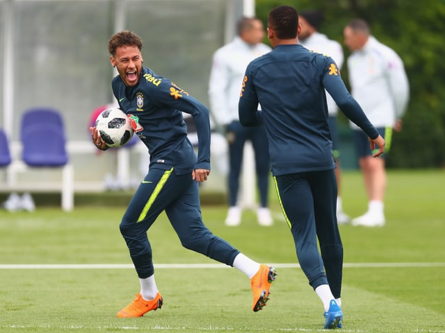 Neymar hat Spass im Training.