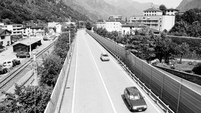 Autobahn quer durch Roveredo