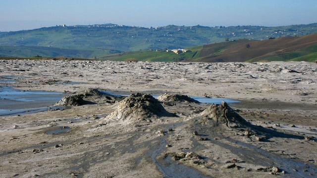 Die kleinen Vulkane des Naturschutzgebietes Macalube.