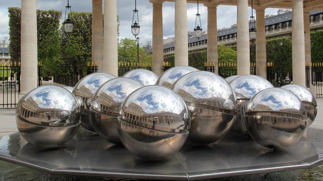 En il «Jardin du Palais Royal».