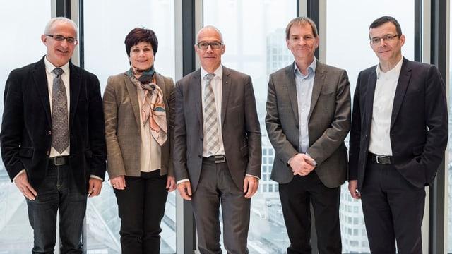 Die fünf bisherigen Stadträte: Nino Cozzio, Patrizia Adam, Thomas Scheitlin, Peter Jans und Markus Buschor.