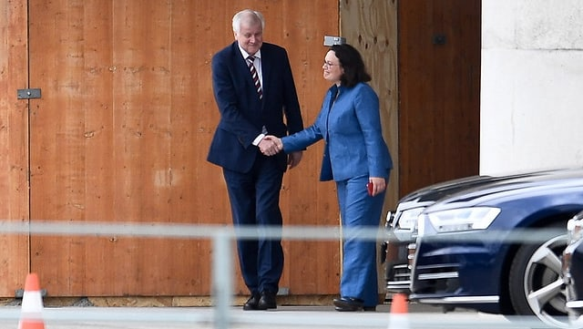 CSU-Chef Horst Seehofer und SPD-Chefin Andrea Nahles nach der Unterredumg mit Kanzlerin Angela Merkel (CDU).