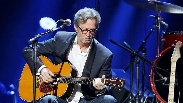 Eric Clapton durant in concert