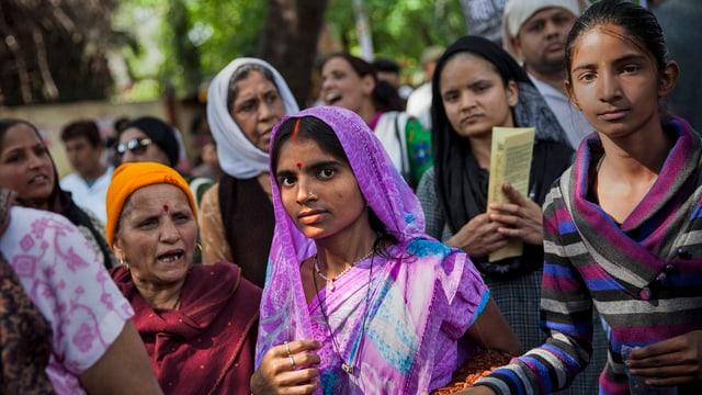Indische Frauen jeden Alters.
