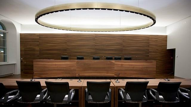 Leerer Verhandlungssaal des Zürcher Obergerichtes