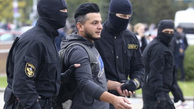 Sicherheitskräfte haben schon im Vorfeld Verhaftungen vorgenommen und greifen heute wieder durch.