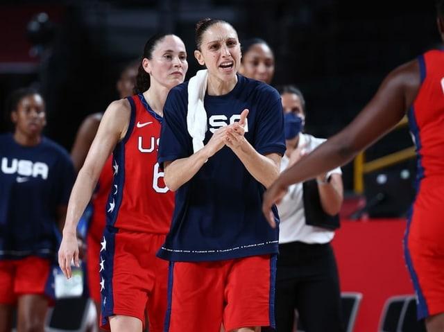 Die Basketballerinnen von Team USA.