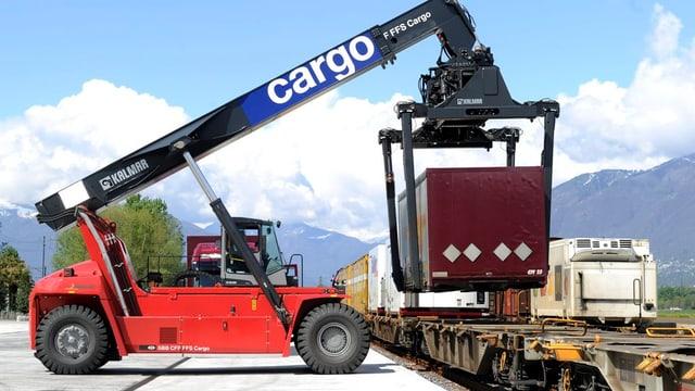 In Spreitenbach möchte SBB-Cargo einen neuen grossen Container-Umschlagsplatz bauen, die Gemeinden sind skeptisch.