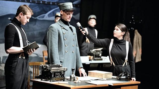 Szenenphoto aus dem Stück «Paul Grüninger - Ein Grenzgänger».