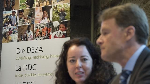 Manuel Sager, directur da la DEZA, e Maya Tissafi, la vicedirectura.