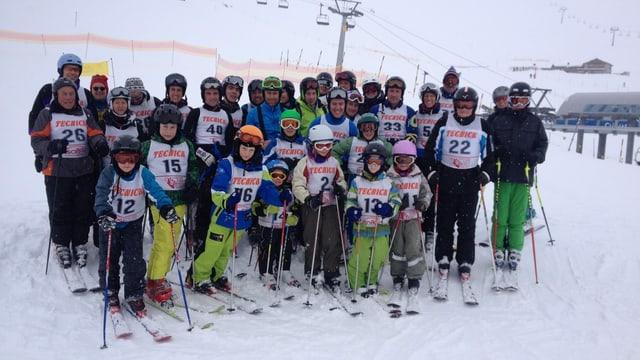 Giuven e vegl sa partecipeschan - club da skis Sent.