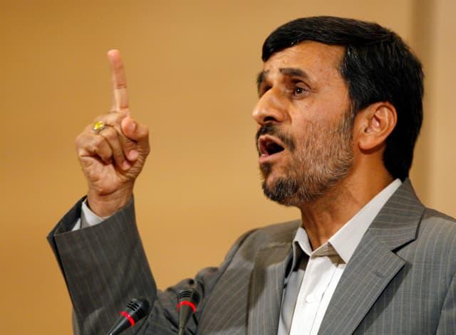Überraschend: Mahmud Ahmadinedschad kandidiert wieder.