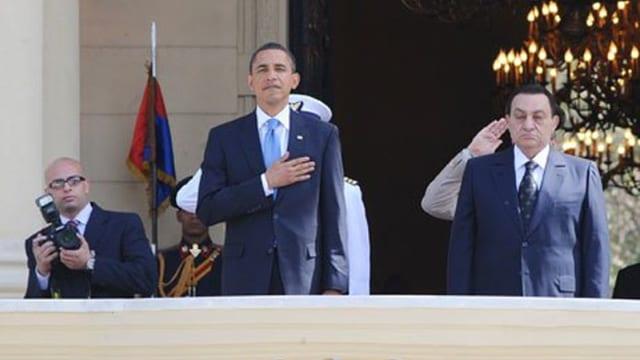 Ahmed Mourad (links mit Kamera) bei einem offiziellen Anlass mit Barack Obama (Mitte) und Hosni Mubarak.