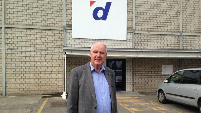 Ferrowohlen-Verwaltungsrat Peter Wertli steht vor dem Sitz seines wichtigsten Mieters Digitec