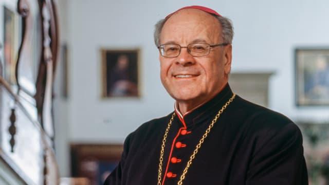 Brustbild von Bischof Vitus Huonder