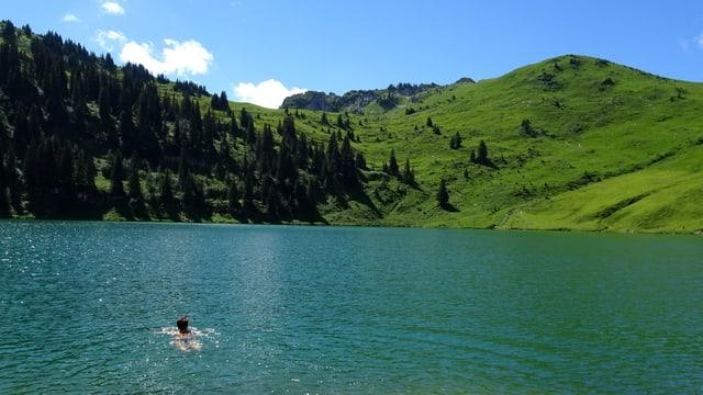 Eine richtige Abkühlung findet man nur noch in den Bergseen, wie hier am Oberstockensee.