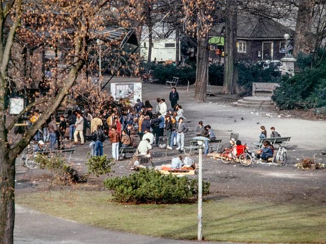 Junkies auf dem Platzspitz zur Zeit der offenen Drogenszene.