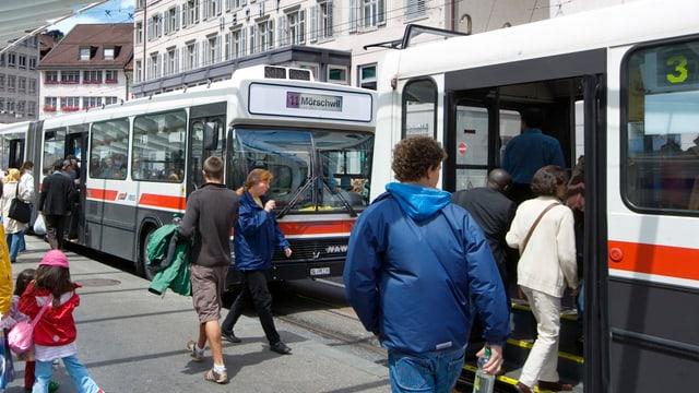 Bus der VBSG am Bohl.