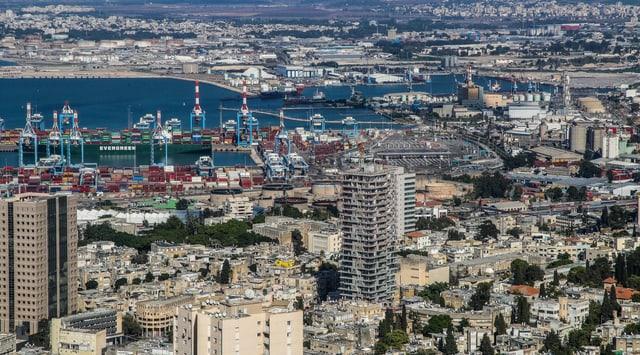 Der Hafen von Haifa hat nach der verheerenden Explosion im Hafen von Beirut an Bedeutung gewonnen.