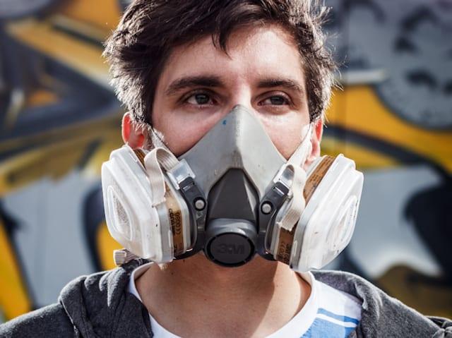 hält einen «Master of Arts» und nennt sich als Graffitikünstler Chromeo.