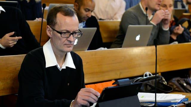Mario Babini im Gemeinderatssaal.