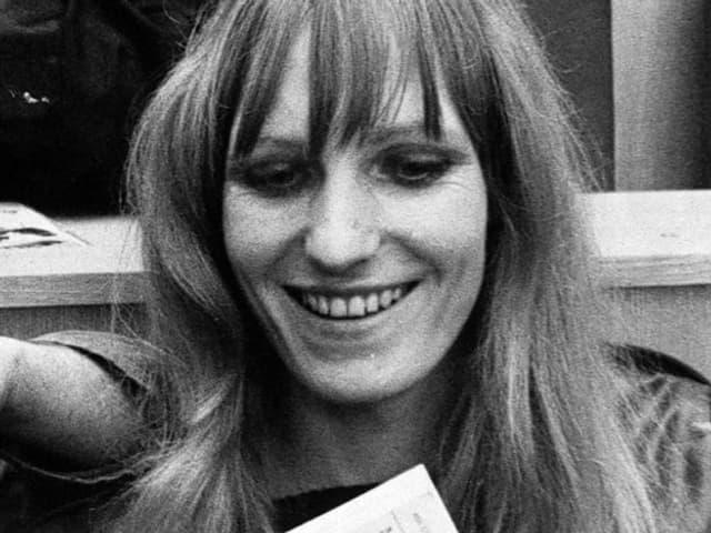 Gudrun Ensslin auf der Anklagebank.