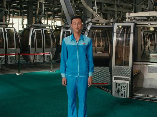 Kim Jong-won, il mecanist da la pendiculara en il resort da skis.