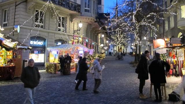 Weihnachtsstimmung am Hirschenplatz