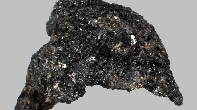 Unförmiges schwarzes Etwas
