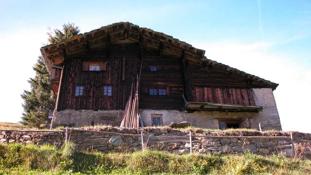 La chasa numnada «Jörischhuus» a Leis in vischinadi da la vischnanca da Val Son Pieder.