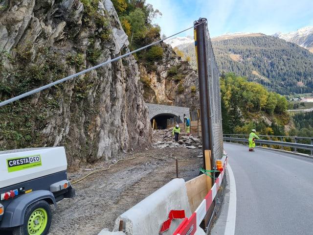 Il plazzal suenter il tunnel Chaschlatsch.