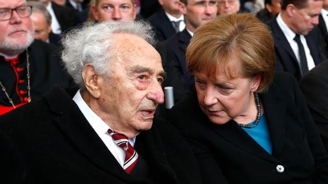 Holocaust-Überlebender Max Mannheimer im Gespräch mit Angela Merkel.