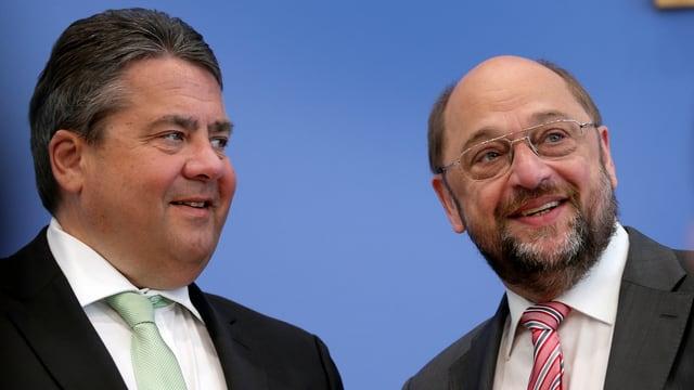 Sigmar Gabriel (sanester) e Martin Schulz (dretg)
