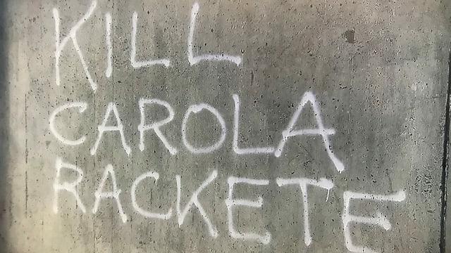 Hassposting vor der Universität in Genf.