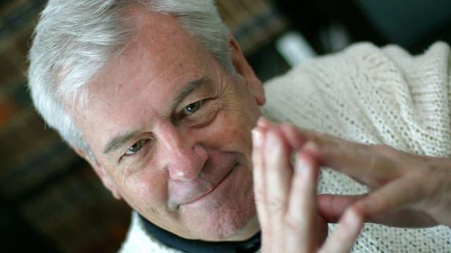 Portraitbild des Basler Jazz-Weltbürger George Gruntz aus dem Jahre 2003