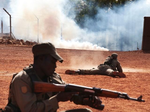 Malische Soldaten trainieren für den Ernstfall.