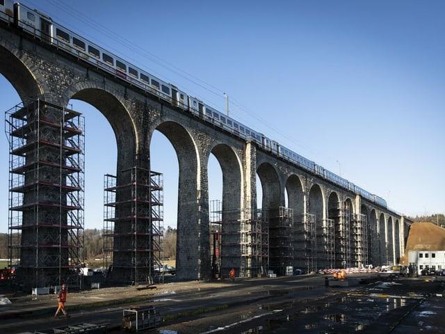 Das Viadukt.