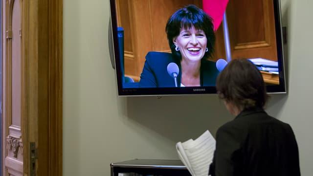 Bundesrätin Leuthard im TV.