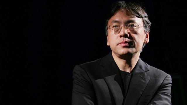 Autur Kazuo Ishiguro.