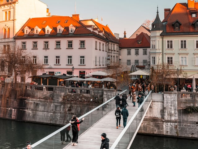 Eine Brücke in Ljubljana.