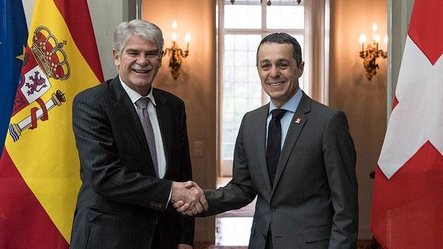 Cusseglier federal Ignazio Cassis beneventa il minister da l'exteriur da la Spagna, Alfonso Dastis.