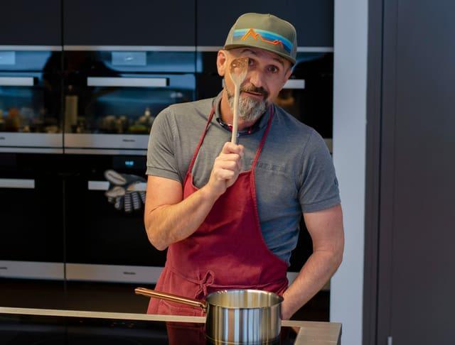 Kochmuffel Christoph Dudli aus Walenstadt, auch er besuchte die Kochschule für Anfänger
