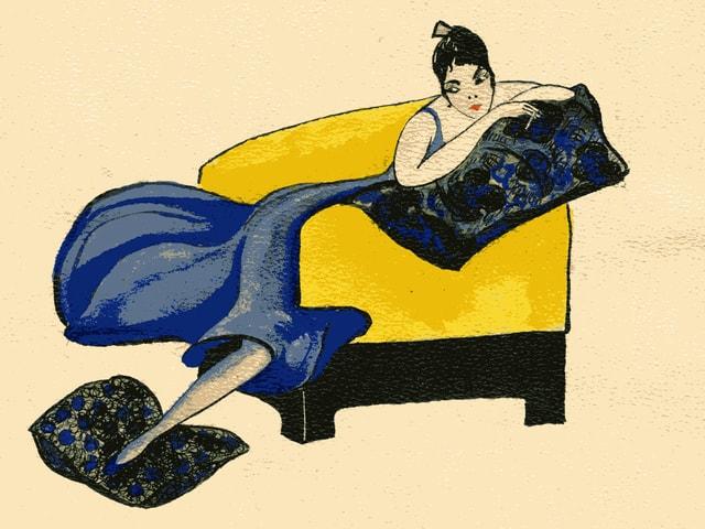 Eine Modeskizze zeigt eine Frau in einem blauen Kleid.