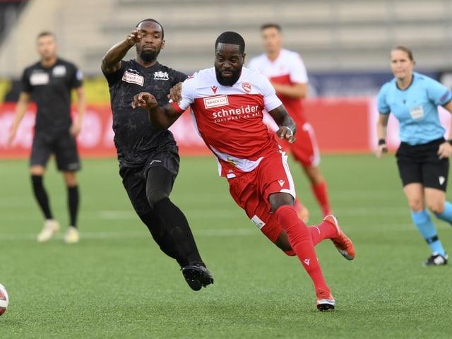 Der FC Thun mit Torschütze Ridge Munsy (rechts) muss sich gegen Stade Lausanne Ouchy mit einem 2:2 begnügen.