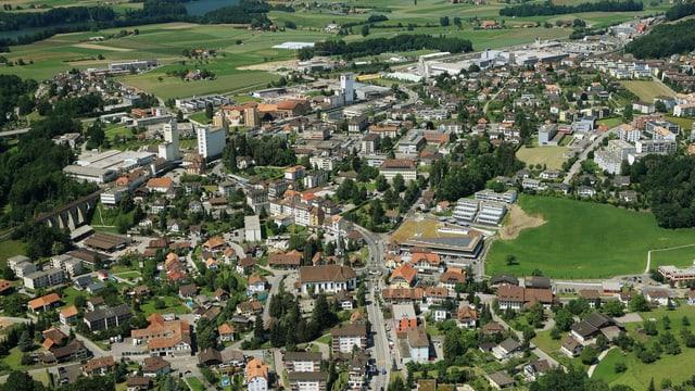 Luftbild von Düdingen.