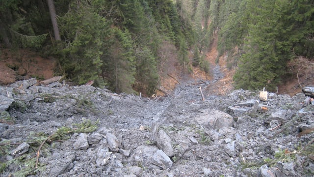 Anc rodund 900'000 meters cubic material pudessan anc vegnir giuadora or da la Val Parghera.