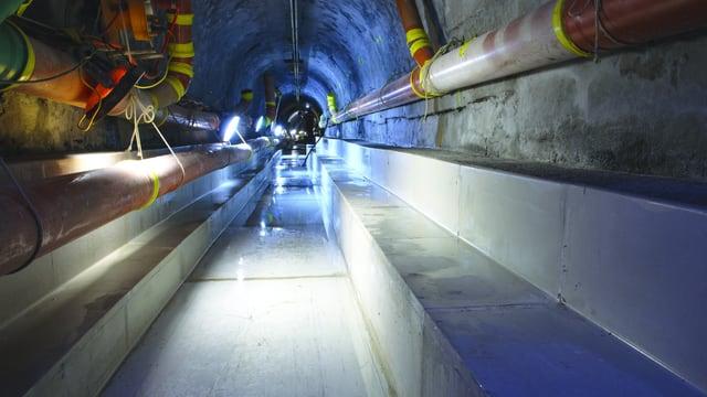 Die Kanalisation unter dem Hirschengraben vor fünf Jahren, als die Wärmetauscherelemente in den Boden eingebaut wurden.