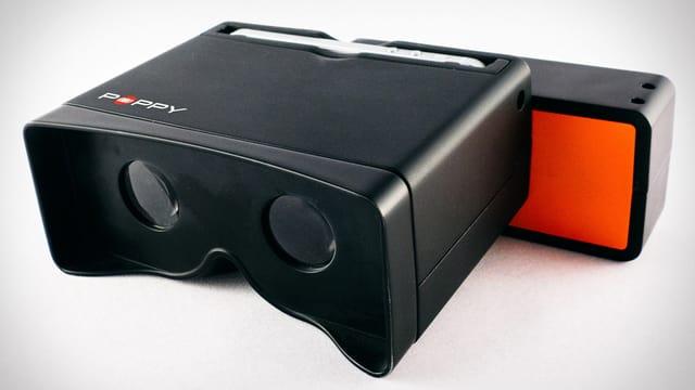 Eine Optik für 3D Bilder in einem schwarzen Gehäuse