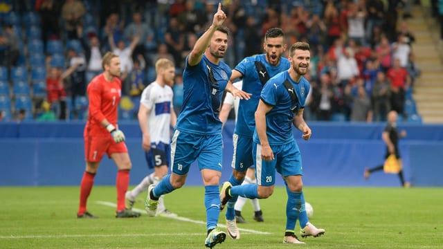 Die kosovarische Fussballnationalmannschaft.